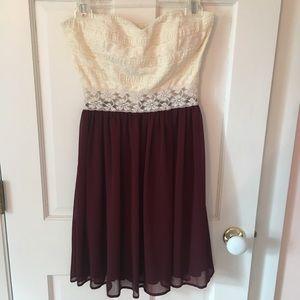 MYSTIC Strapless Lace dress w Burgundy, Size M
